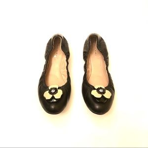 Cute Tahari flats with detail flowers at the toe